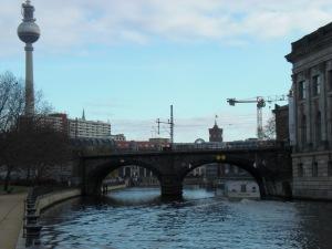 S-Bahnbrücke an der Museumsinsel 01/2009