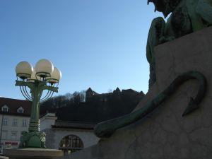 Blick von der Brücke auf die Burg