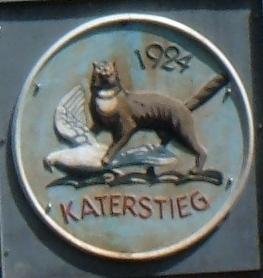 Inschrift an der kleinen Stahlbrücke: Katerstieg 1924