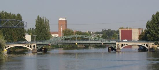 ponton-Stubenrauchbrücke von der Treskowbrücke aus gesehen
