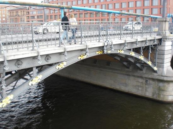 Nördlicher alter Bogen der MArschallbrücke