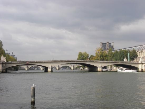 Pont du Carrousel von Osten gesehen