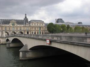 Pont du Carrousel von Westen