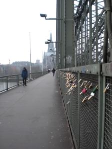 Fußgängerweg über die Hohenzollernbrücke