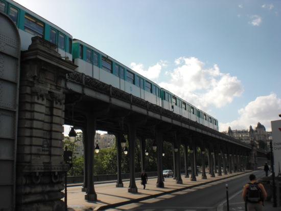 Metroviadukt von der Nordostseite aus betrachtet
