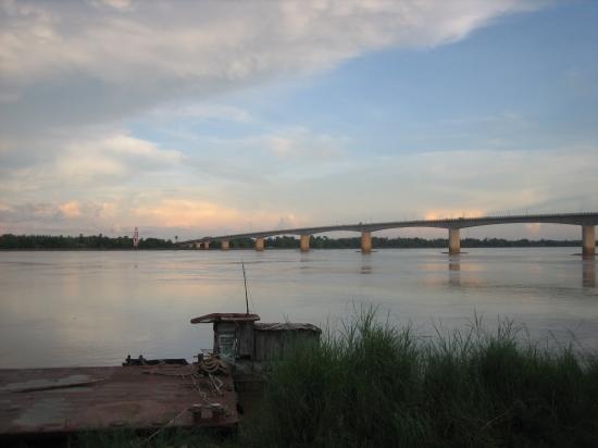 Mekongbrücke bei Kampong Cham