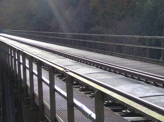 Offene Fahrbahn des Eistalviaduktes