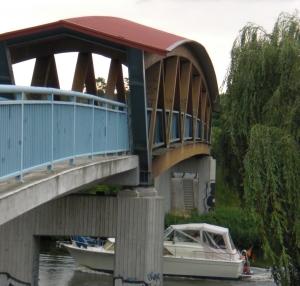 Dahmebrücke: Ansicht vom östlichen Ufer