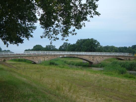 Ansicht der Denkmalsgeschützten Brücke über die Elster