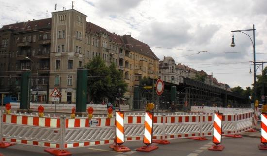 Die Brücken über die Bornholmer Straße