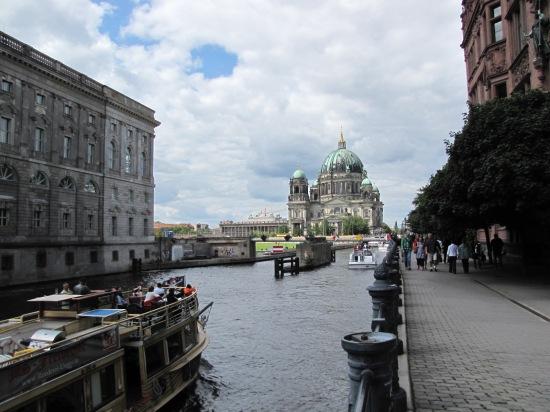 Weg ist sie: Die Rathausbrücke in Berlin-Mitte