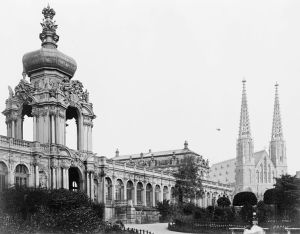 Wikipedia: Kronentor um 1880