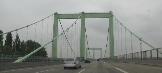 Ansicht der beiden Stahlportale dere Rodenkirchener Brücke