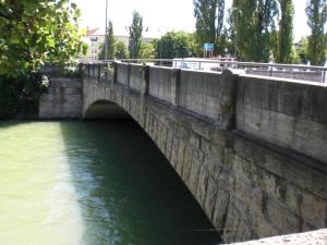 Corneliusbrücke über den Isarkanal