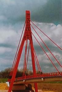 Ansicht von der dem Pylon gegenüberliegenden Seite