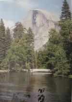 Brücke im Yosemiote Valley, aber welche??? Im Hintergrund der Half dome
