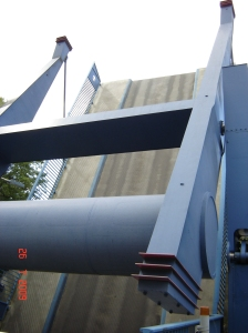 Klappmechanismus bei geöffneter Schleusenbrücke