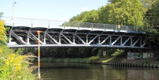 Ansicht der Bäkebrücke entgegen der Strömung