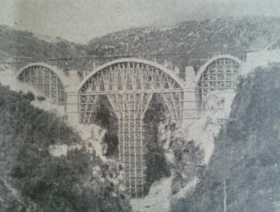 Prinzip des Mauerwerksbogenbrückenbaus