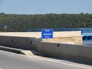 Zufahrt zur Antenal-Klappbrücke