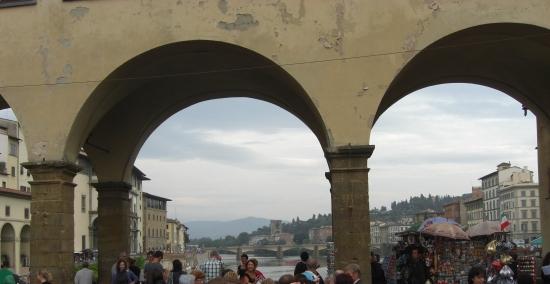 Durchblick auf den Arno