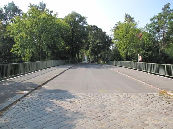 ponton-Fahrbahn Nathanbrücke