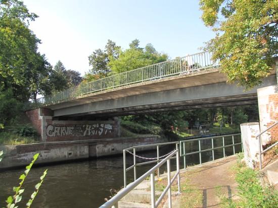 Nathanbrücke bei km 3,78 über den Teltowkanal