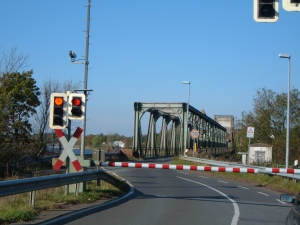 Wartezeit während der Öffnung der Brücke