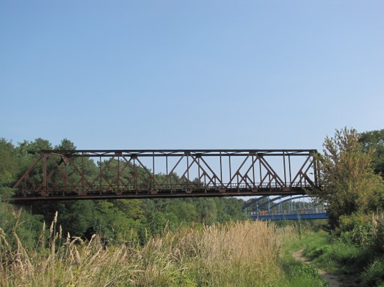 Totenbrücke über den Teltowkanal an der Grenze Berlins