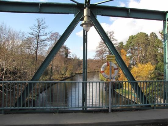Blick stromabwärts von der Triglawbrücke auf die Müggelspree