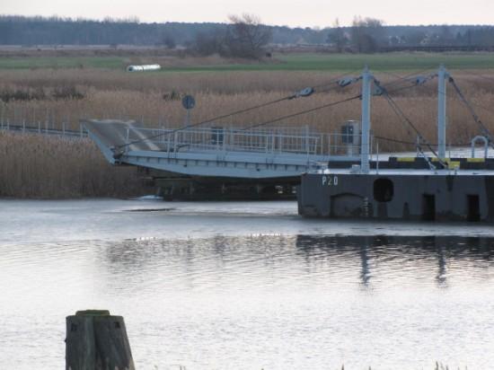 ponton-Meiningenbrücke-sued