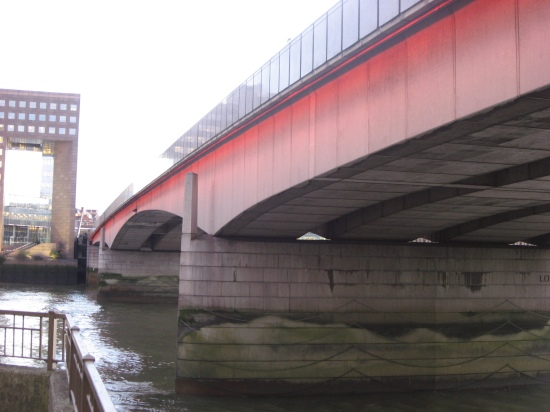 ponton-London_bridge