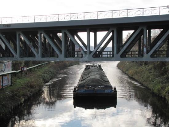 S-Bahnbrücke zwischen Attilastraße und Mariendorf