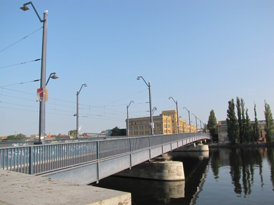 ponton-Treskowbrücke von der Niederschöneweider Seite