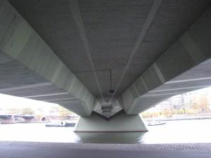 ponton_zweizelliger Hohlkasten der Spannbetonbrücke