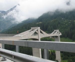 Ganterbrücke entworfen von Professor Christian Menn