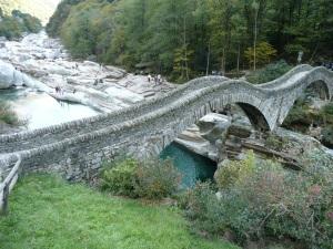 Die Brücke ist vor allem im Sommer ein Touristenmagnet