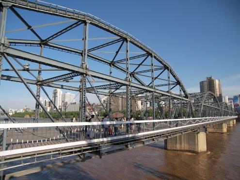 """Ansicht der """"deutschen"""" Brücke in Lanzhou"""