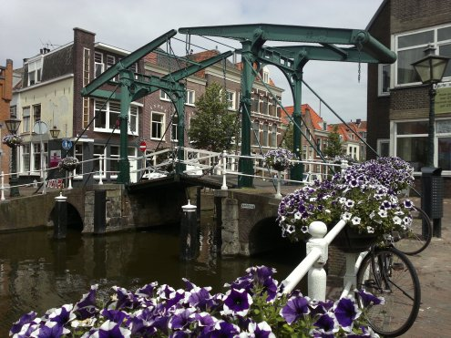 Alte Eisenzugbrücke in Leiden