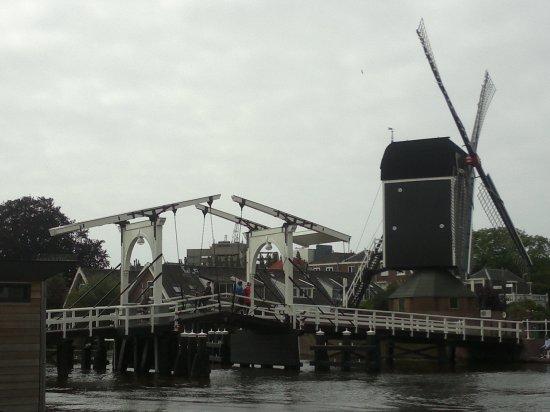 ponton_Rembrandtbrücke