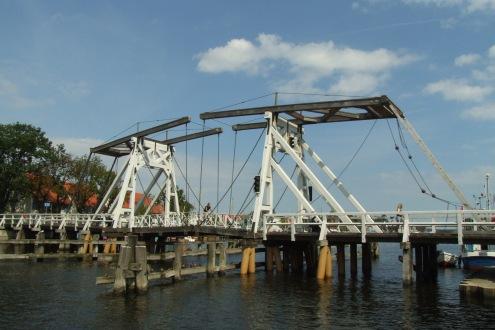 Die Klappbrücke in Wieck bei Greifswald ist noch voll funktionsfähig